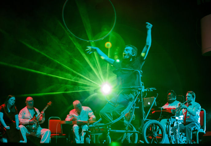 Extraordinary Bodies and the British Paraorchestra collaborate on Terry Riley's 'In C'